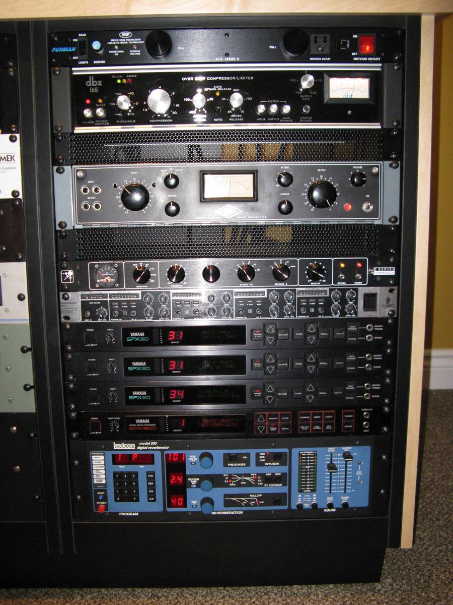 studio-rack-detail-1crop8frombottomforbanner