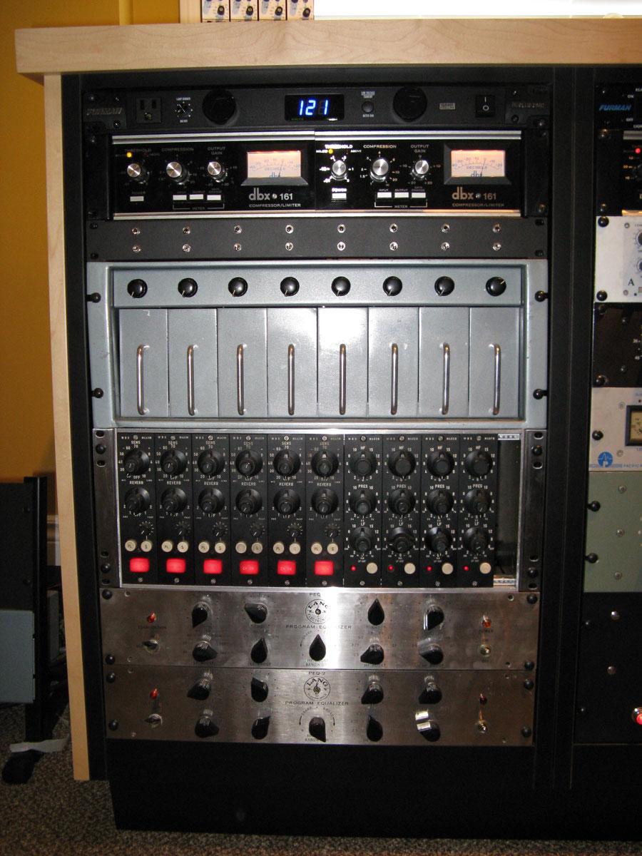 studio-rack-detail-3use4oneinforbanner