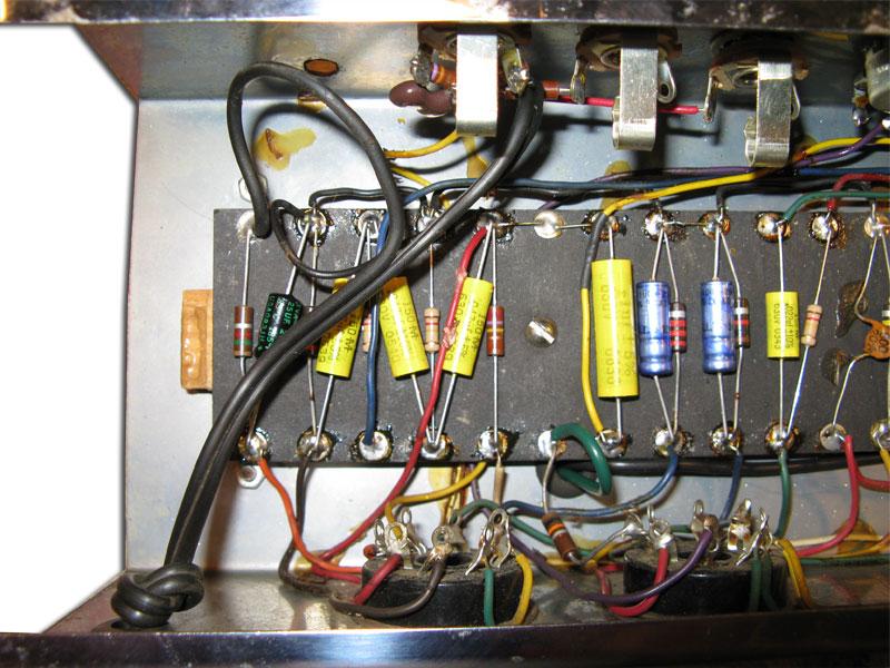 ampeg-r-12-restored-inside-1